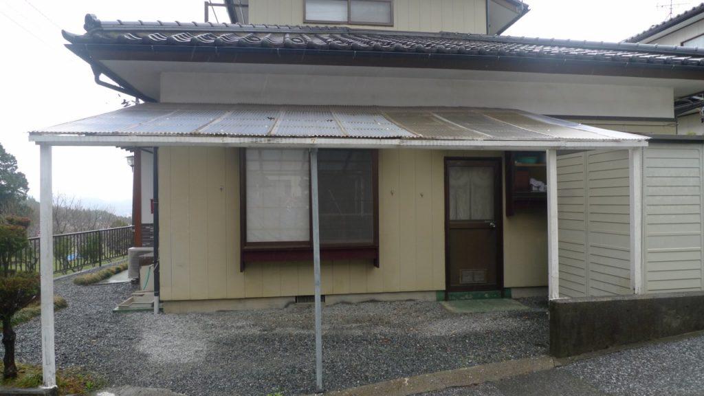 屋根の補強工事前